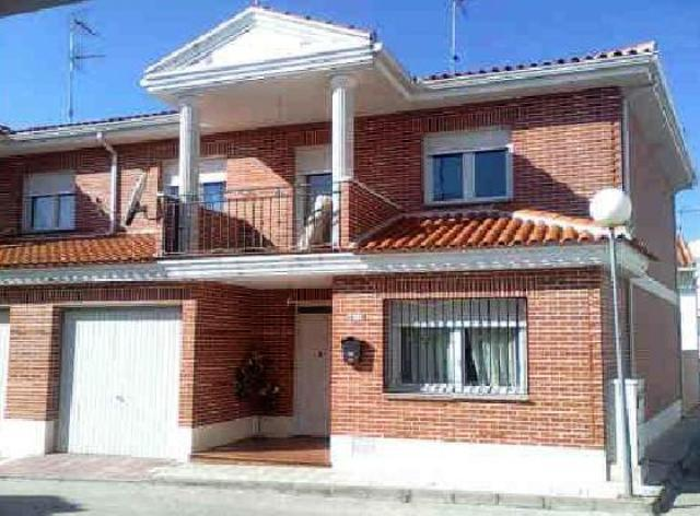 Casa Toledo, Recas C. ISLAS MALVINAS, 19, RECAS