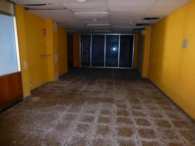 Locales Valencia, Tavernes Blanques c. 1 de maig, 30, tavernes blanques