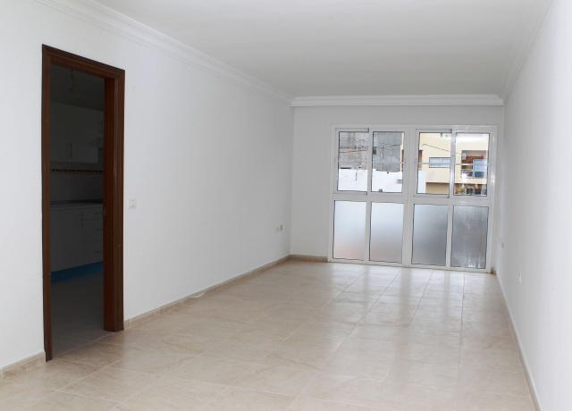 Shops Sta. Cruz Tenerife, San Isidro De Abona st. francisco bonnin, 36, san isidro de abona