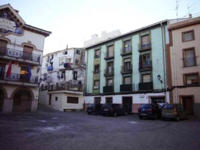 Parking places Navarra, Funes square los fueros, 2, funes