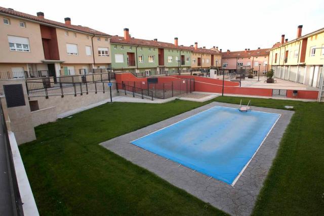 Locals Burgos, Cogollos c. real, 30, cogollos
