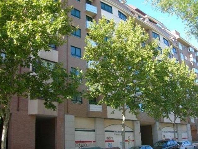 Shops Valladolid, Valladolid st. juan garcía hortelano, 29, valladolid