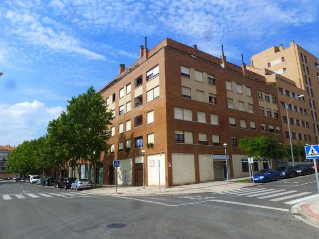 Local La Rioja, Logroño c. acequia, 3-5, logroño