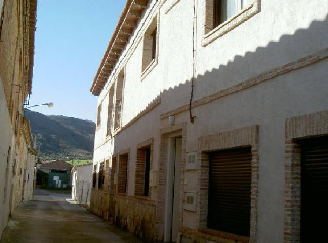 Locals Guadalajara, Valdearenas c. retiro, 8, valdearenas