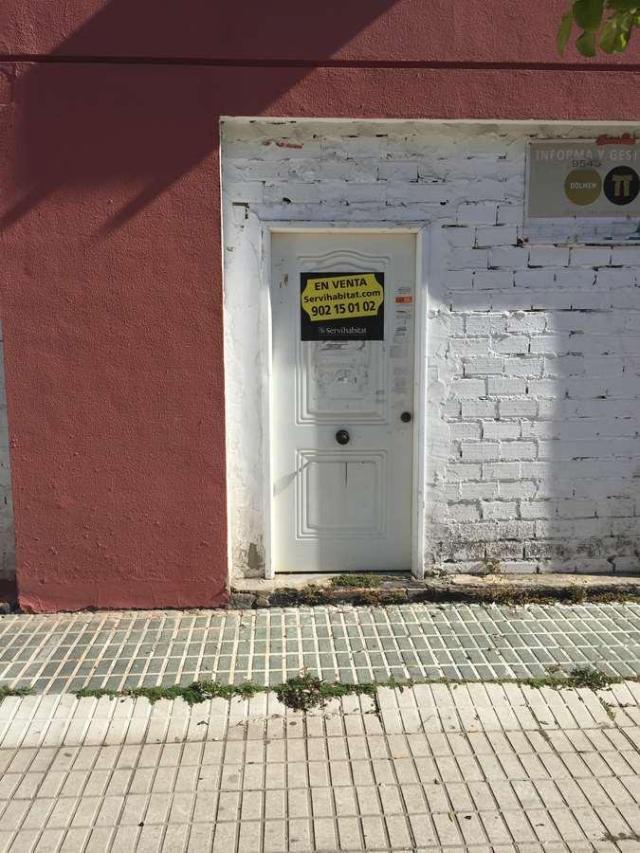 Local Sevilla, Sevilla c. almendralejo, 9, sevilla