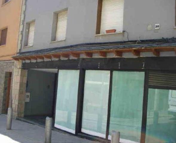 Local Girona, Llivia c. raval, 32, llivia