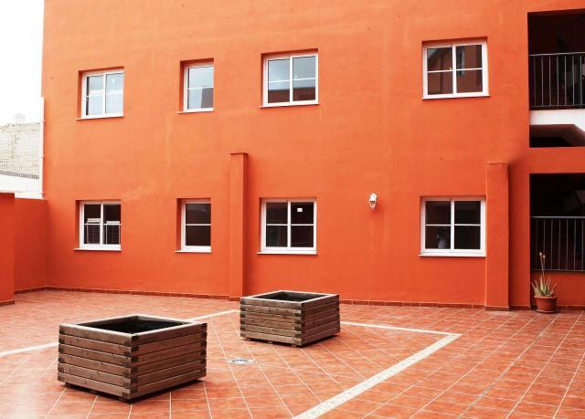 Locals Sta. Cruz Tenerife, San Isidro De Abona c. francisco bonnin, 36, san isidro de abona