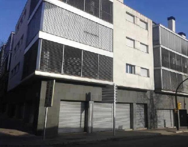 Shops Girona, Olot avenue ave girona, 7, olot