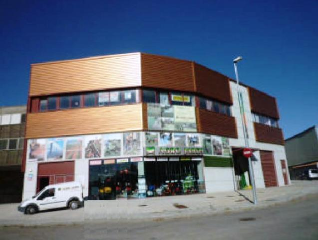Naves Barcelona, Malgrat De Mar avda. costa brava - poligono can patalina, 136, malgrat de mar