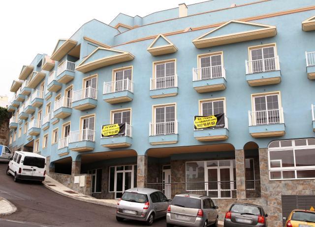 Locals Sta. Cruz Tenerife, Realejos Los c. puerto, 11, realejos, los