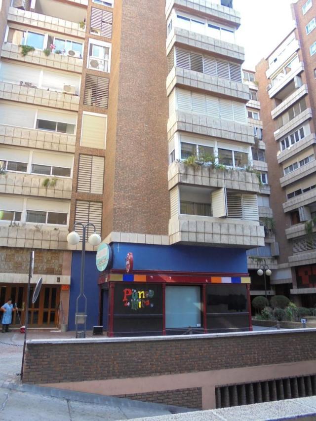 Local Zaragoza, Zaragoza av. anselmo clave, 37 a 43, zaragoza