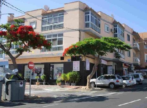 Shop premises Sta. Cruz Tenerife, Guincho El (san Miguel) highway a las galletas  esquina c.cervantes, 80, guincho, el (san miguel)