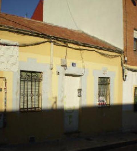 terreno-en-venta-en-perez-escrich-madrid-180670218
