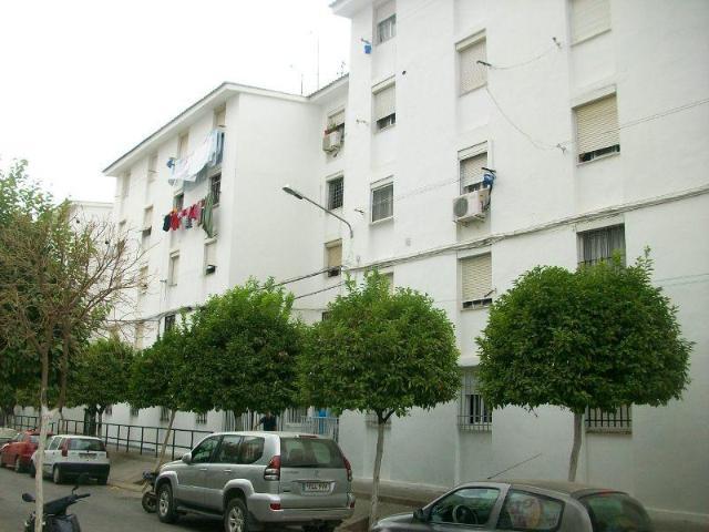 Piso UTRERA Sevilla, c. b, -barriada nuestra se�ora...