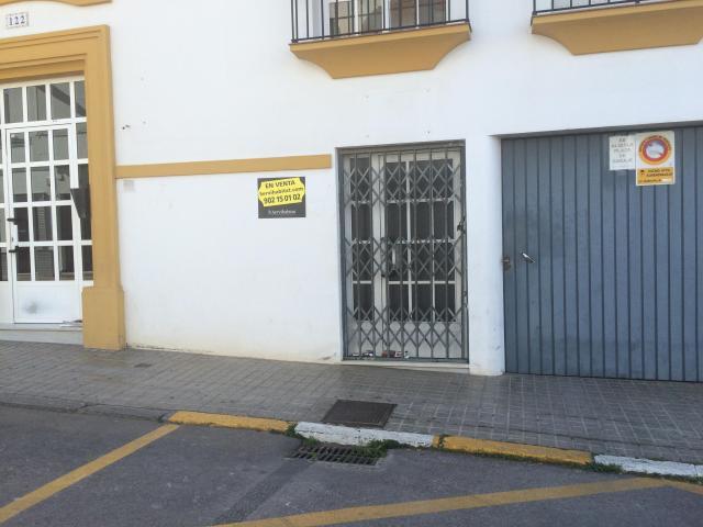 Local ALMENDRALEJO Badajoz, c. san jose