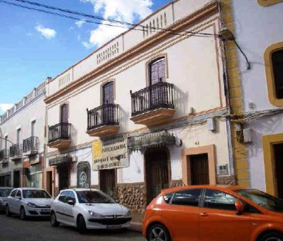 Local SANTA MARTA Badajoz, c. almendral
