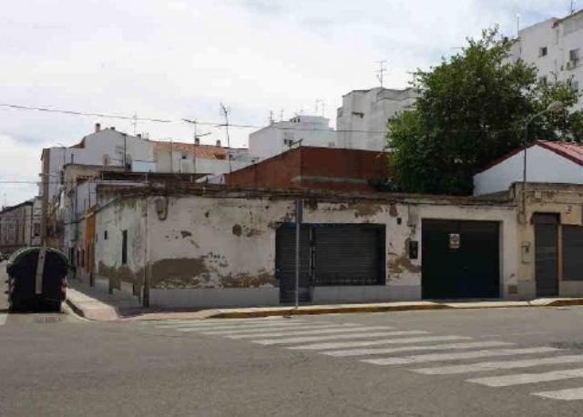 Local BADAJOZ Badajoz, c. bilbao
