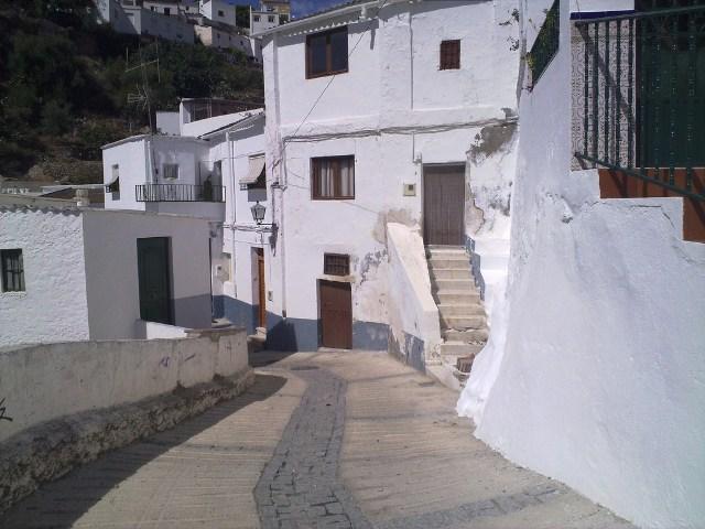 Piso ALBU�OL Granada, c. camposanto
