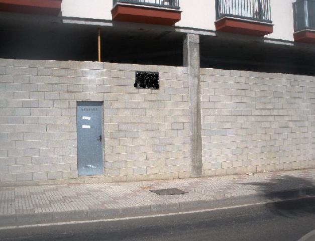 Local DON BENITO Badajoz, c. zujar